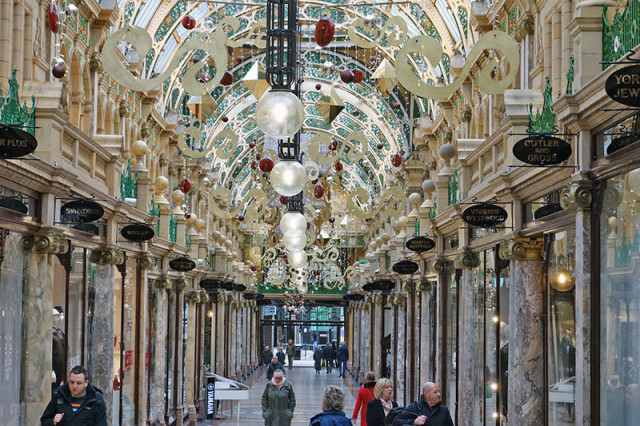 leeds-shopping-arcade