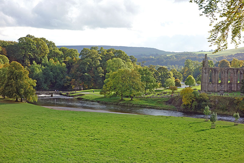 bolton-abbey-river-800