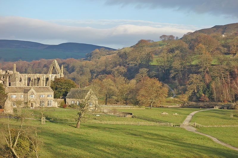 bolton-abbey-winter