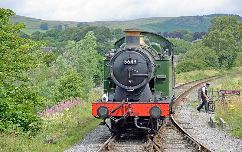 steam-train-embsay-railway