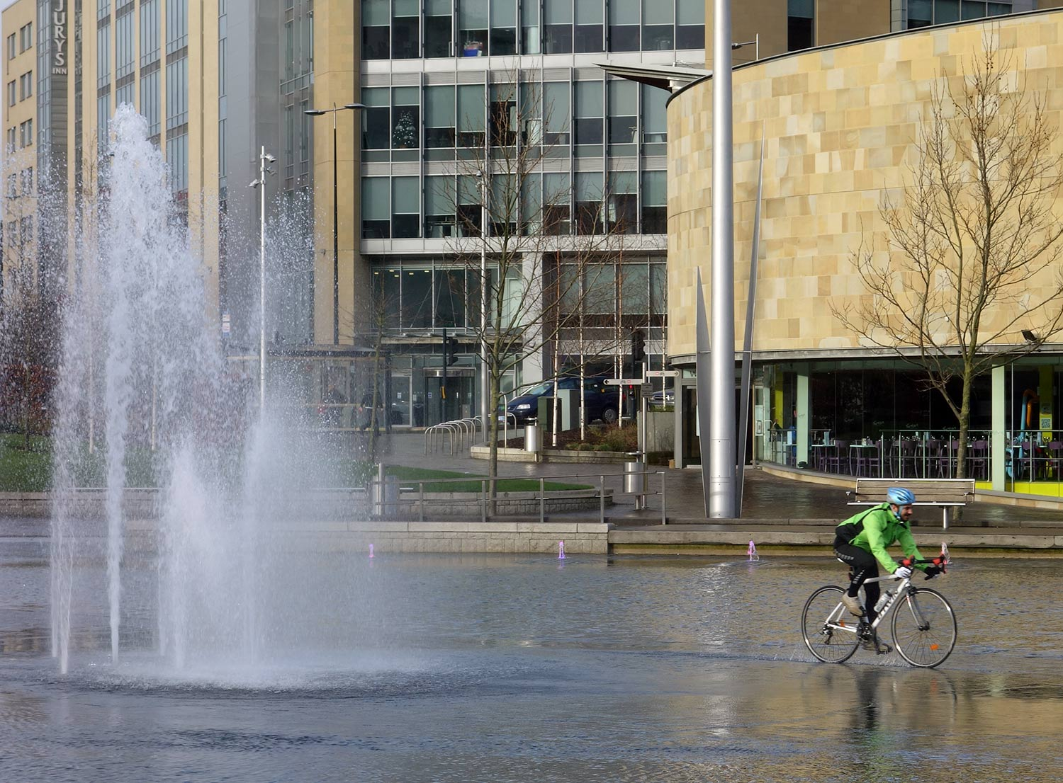 cyclist-fountain-1500