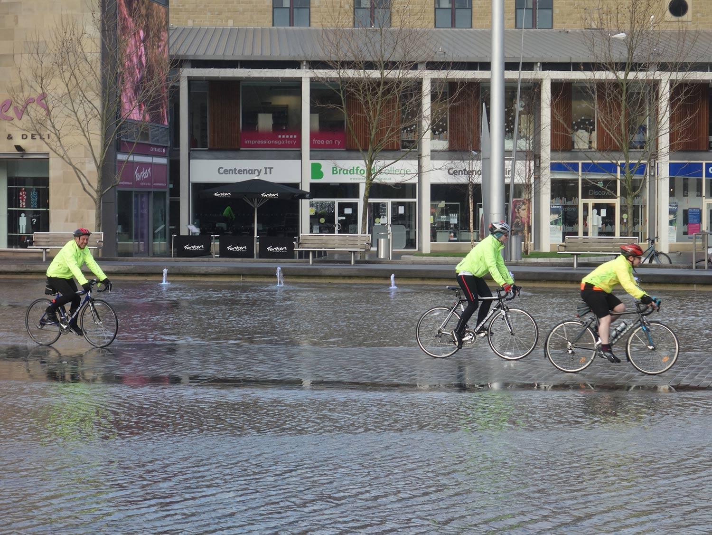 cyclists-3